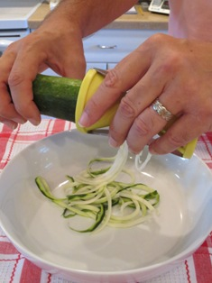 Making Zucchini Pasta with Briefton's Vegetable Spiralizer