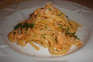Fettuccine with Lobster Cream Sauce