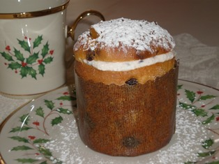 Mini Cream-Filled Panettone