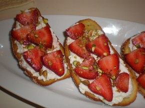 Crostini with Ricotta and Strawberries
