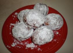 Zeppole with Confectioners' Sugar